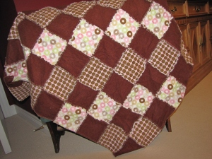 Brown & pink rag quilt (gift)