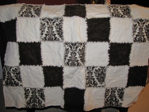 Brown & white rag quilt (gift)