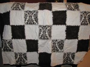 Brown & white rag quilt (gift)