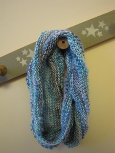 Knit cowl - blue & silver